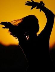Practici Simple pentru a întrupa Puterea Feminină